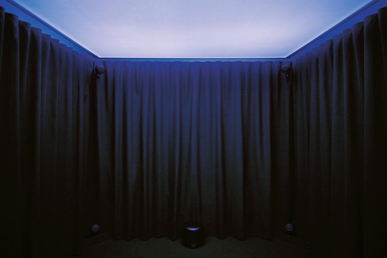 『Anechoic Sphere – Haze』(十和田市現代美術館、青森県十和田市 /2020-21年)