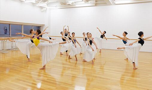 モダンダンス実習室